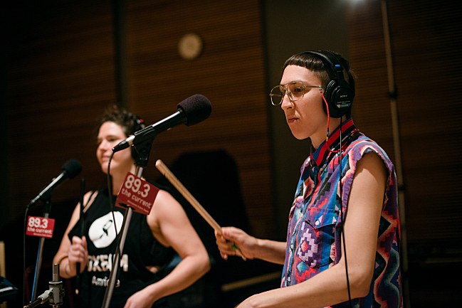 Vocalists Abigail Bengson and Jo Lampert performing with tUnE-yArDs live in The Current studio.