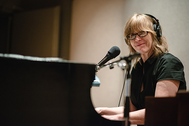 Pianist Karen Grotberg performing live in The Current studio with the Jayhawks.