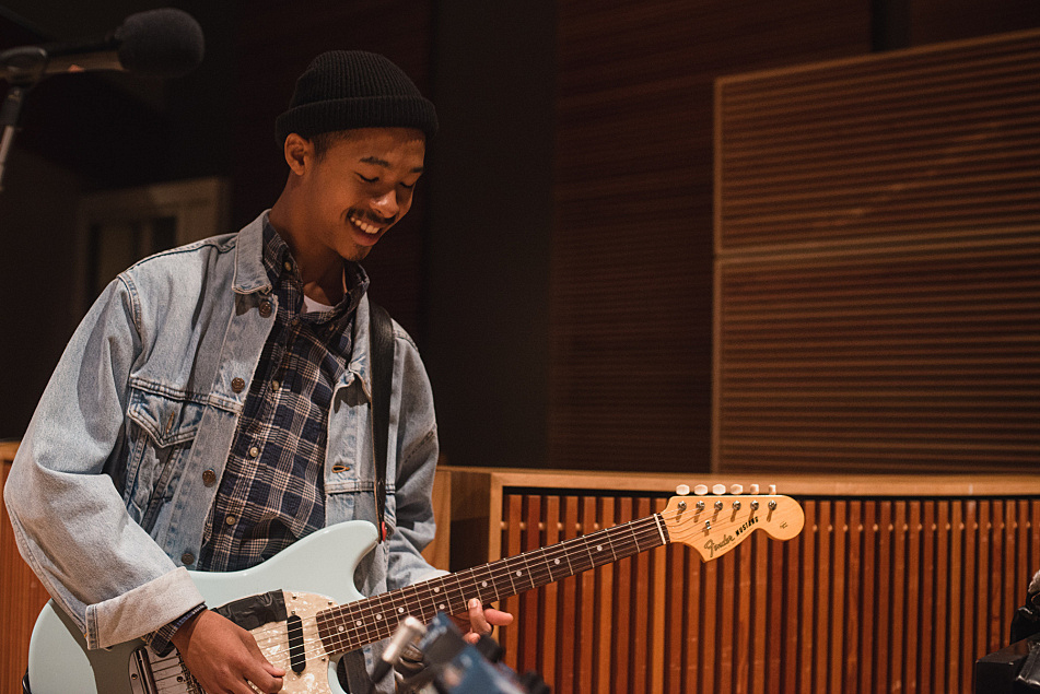 Mikaiah of The Bots performs in The Current studios.