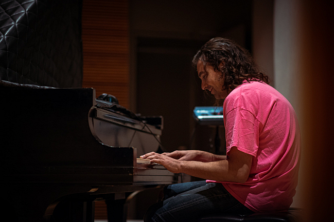Adam Granduciel of the War on Drugs warms up on the Steinway in The Current studio.