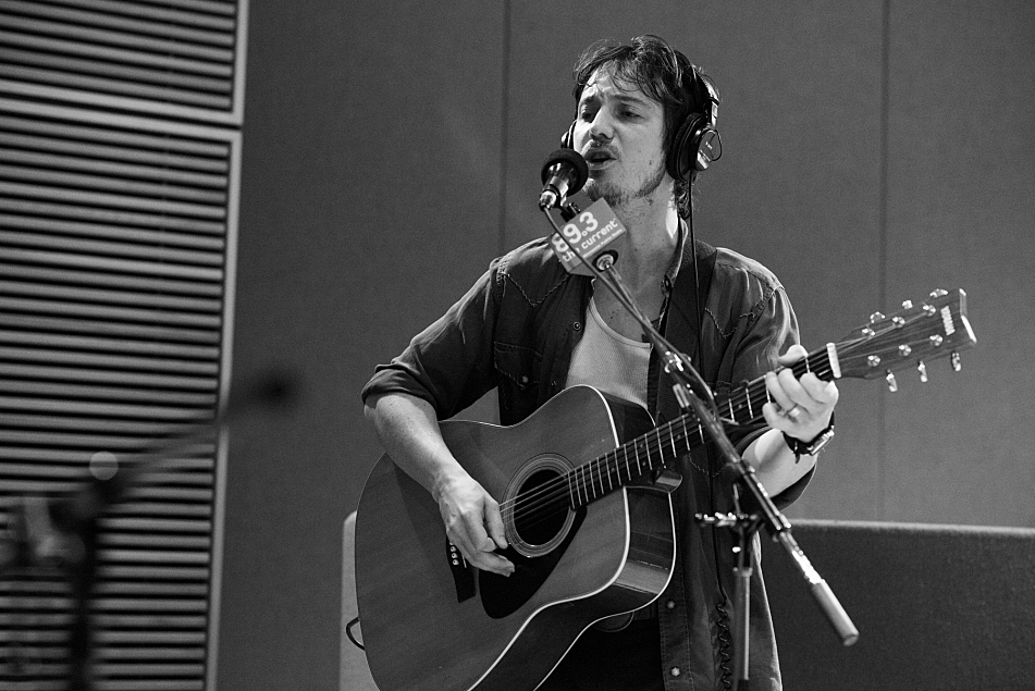 Michael Trent of Shovels & Rope performs in The Current studio.