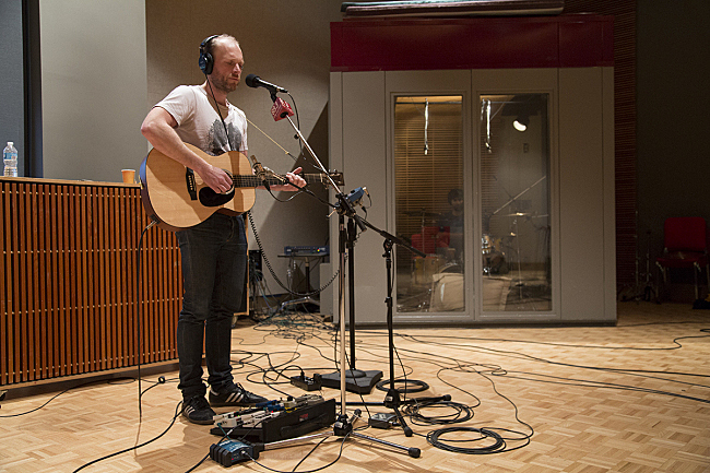 The Rural Alberta Advantage's Nils Edenloff and Paul Banwatt performing live in The Current studio.