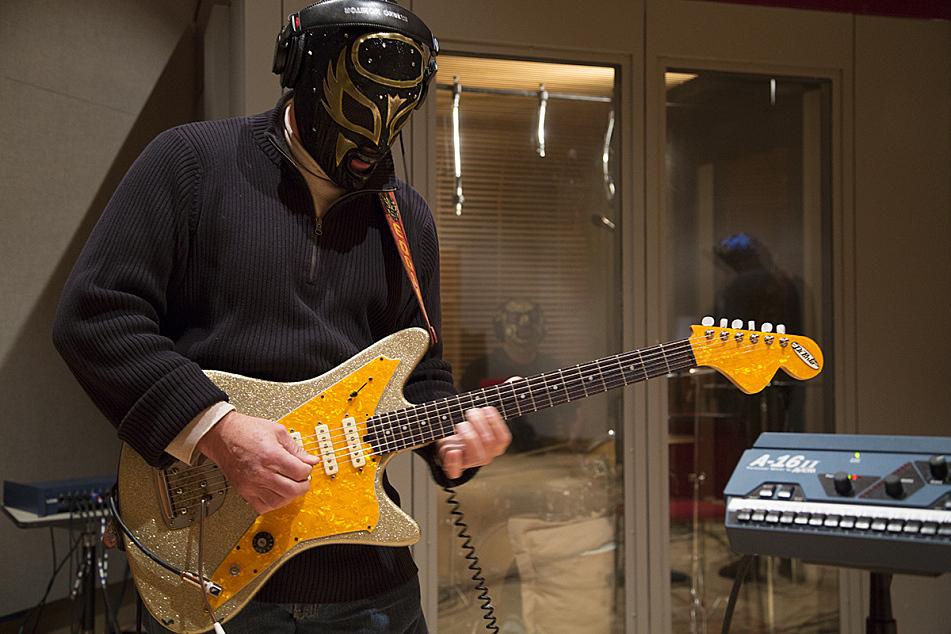 Eddie Angel of Los Straitjackets in The Current studios