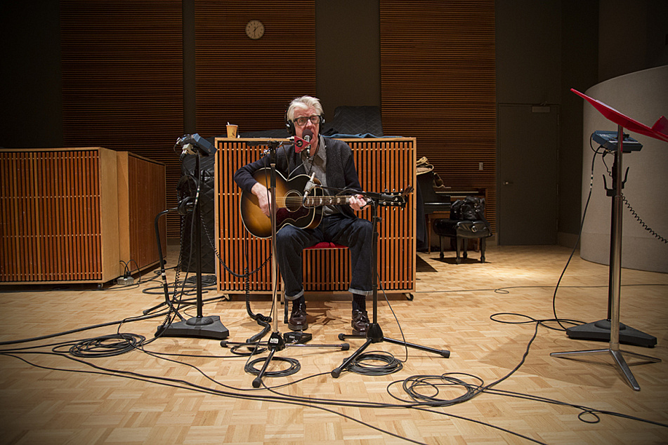 Nick Lowe performs in The Current studios.