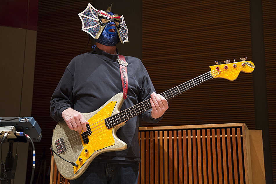 Pete Curry of Los Straitjackets in The Current studios