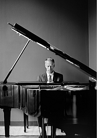 Pianist Chad Lawson