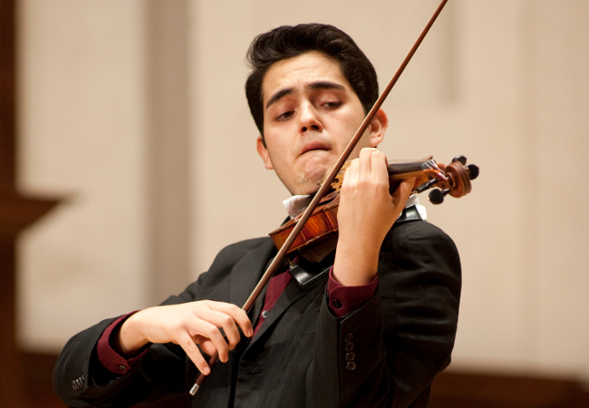 Eduardo Rios and the Sphinx Symphony Orchestra perform at the 2015 Sphinx Competition