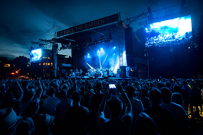 Modest Mouse close down day 2 of Rock the Garden 2015.