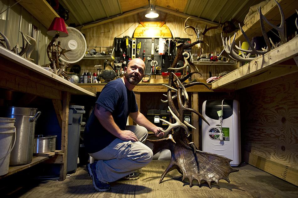 Minnesota Man Turns Antler Art Hobby Into Business