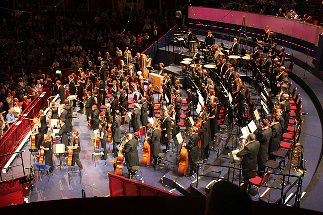 Applauding the orchestra