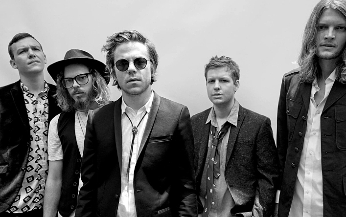Cage the Elephant teamed up with Dan Auerbach for <em>Tell Me I'm Pretty</em>