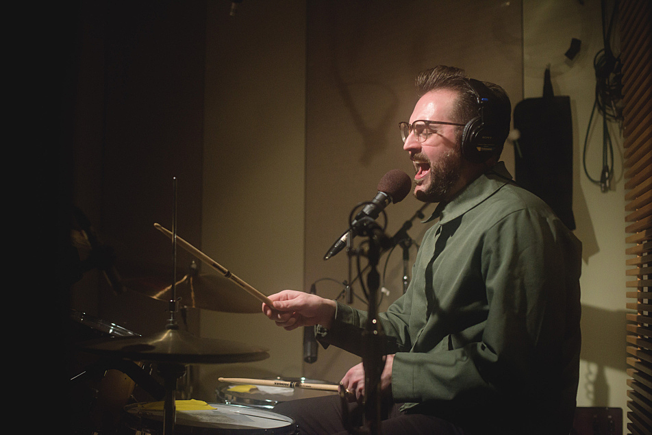 Low Cut Connie's Dan Finnemore on drums in The Current's studio.